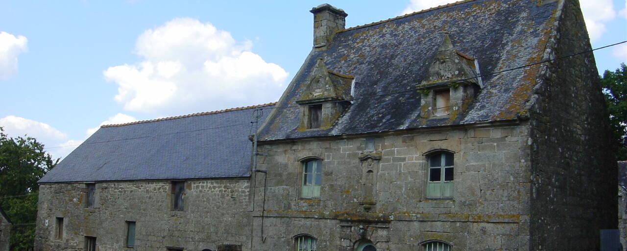 Maison d'habitation dans le bourg - Bieuzy