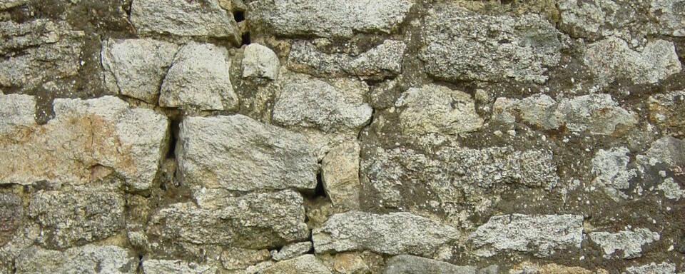 Murs en moëllons granitiques