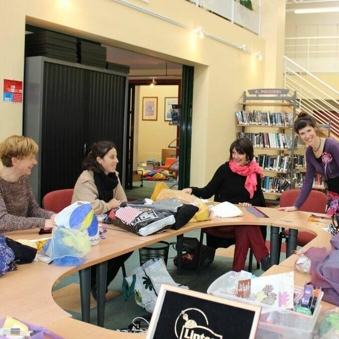 Atelier couture à partir de chutes de vêtements - Médiathèque de Réguiny